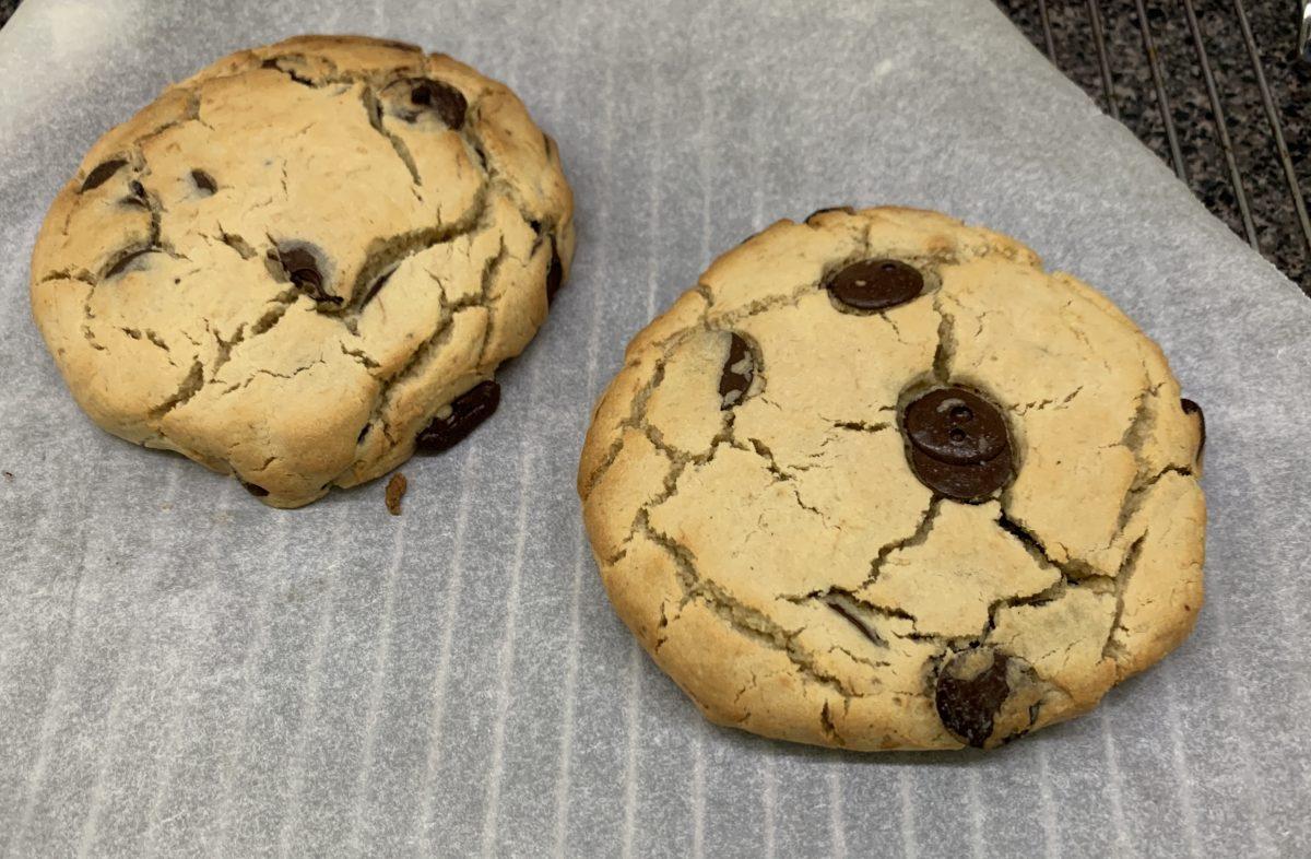 vegan gluten free choc chip cookies